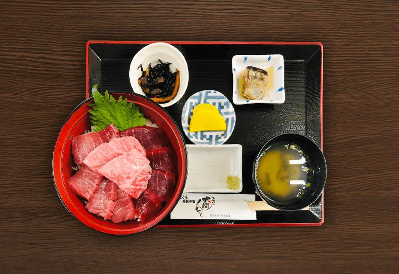 3色マグロ丼(大トロ・中トロ・赤身)